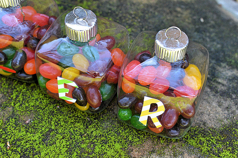 e-r-easter-ornaments