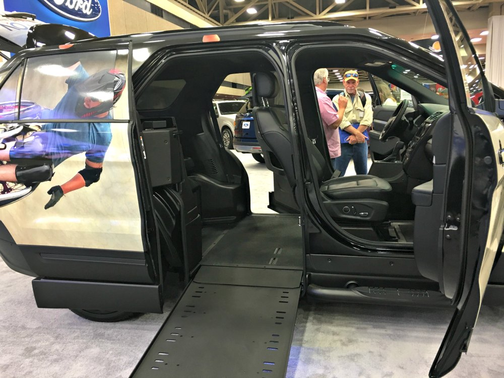 ford and braunability introduce the first wheelchair accessible suv the explorer mxv three. Black Bedroom Furniture Sets. Home Design Ideas