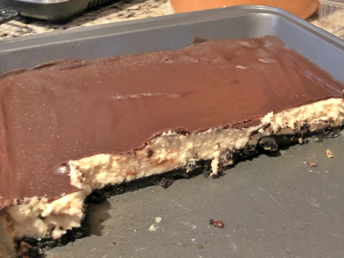 salted caramel chocolate cheesecake bars
